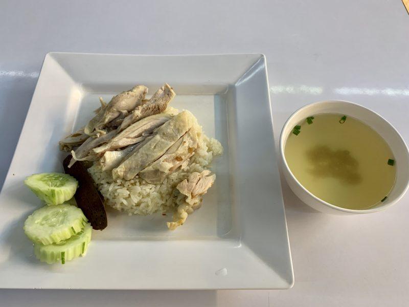 バンコク旅行記 ドンムアン空港 フードコート カオマンガイ